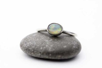 A natural Ethiopian welo opal in sterling